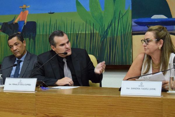 """""""Há casos de pessoas que desmaiam na espera pela coleta do exame. A ideia é evitar problemas desse tipo"""", afirmou Rinaldi Digilio"""